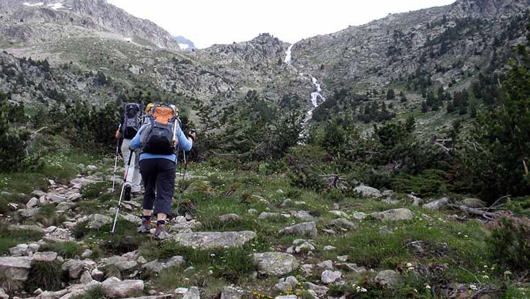 1. El valle de Varradòs y la cascada Saut deth Pish